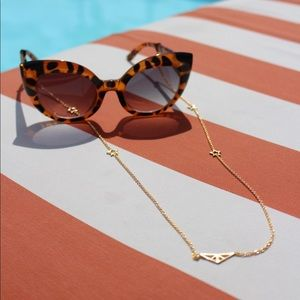 Eyewear Chain in Gold with Star Charms by Trussit